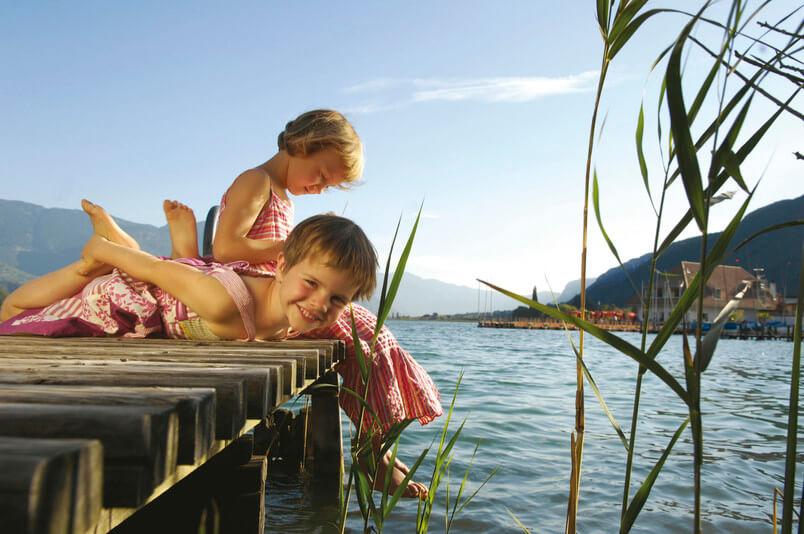 Schwimmen im Kalterer See - © IDM Südtirol/Helmuth Rier